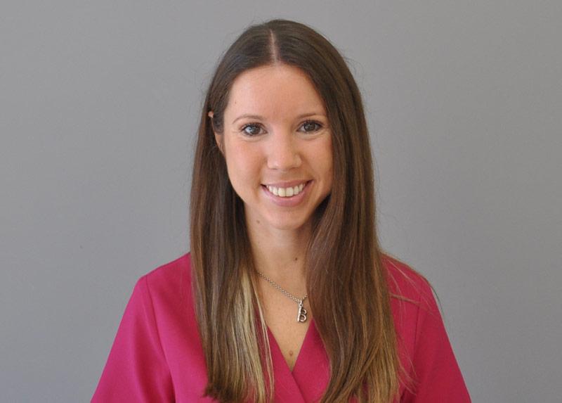 Belén Aliaga · Odontopediatra